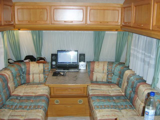 Hylander Design 380 met mover | Caravan31 – tweedehands ...